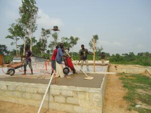 02 Beton wird eingebaut